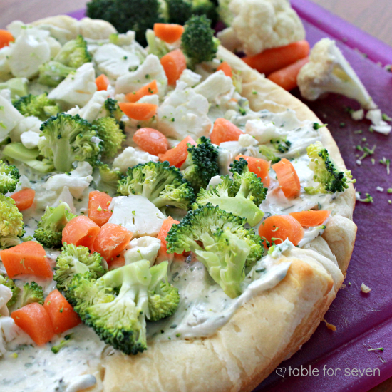 Cold Veggie Pizza #pizza #coldveggies #creamcheesespread #appetizer