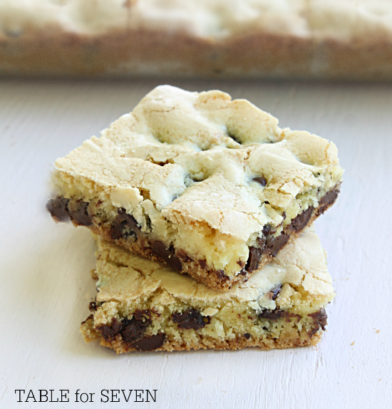 Lazy Cake Mix Cookie Bars from Table for Seven #cakemix #bars #cookiebars #chocolatechip #recipe  #tableforsevenblog