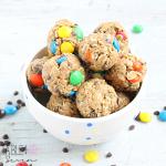 Monster Cookie Granola Bites #monstercookies #granola #peanutbutter #tableforsevenblog @tableforseven