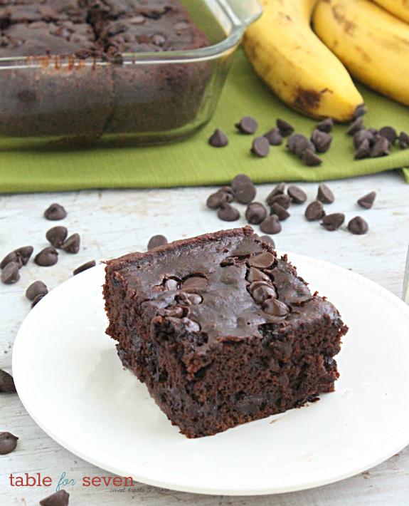 Chocolate Banana Applesauce Cake #cake #banana #chocolate #applesauce #dessert