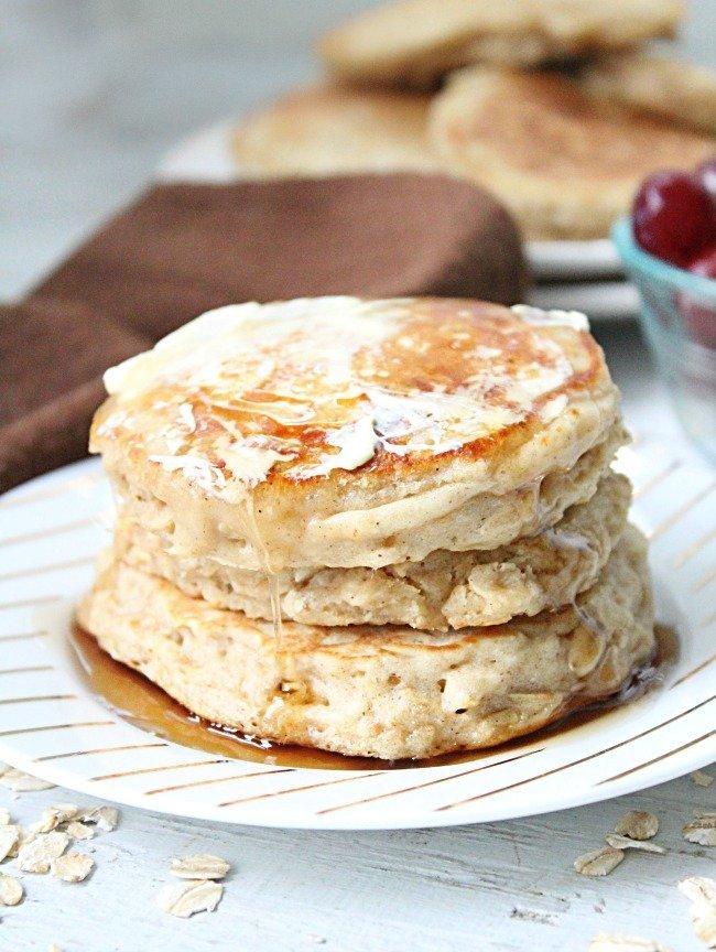 Cinnamon Oatmeal Pancakes @tableforseven #tableforsevenblog #pancakes #cinnamon #oatmeal #brownsugar #breakfast