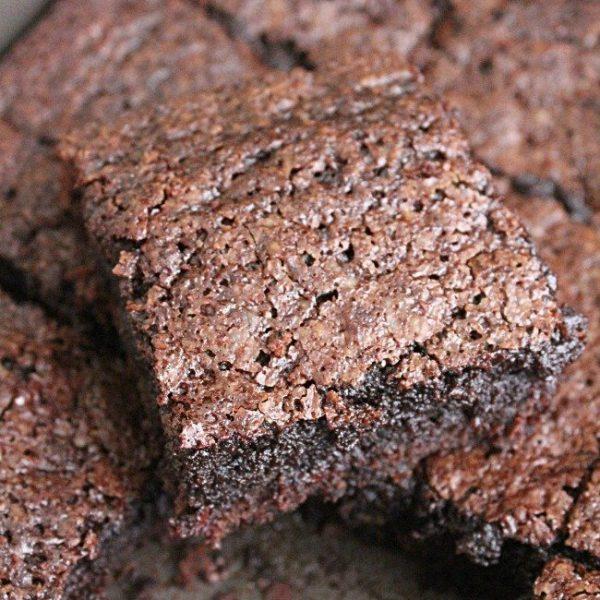 Brown Sugar Brownies- Table for Seven #brownies #brownsugar #dessert #chocolate