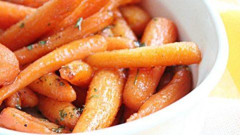 Brown Sugar Roasted Carrots #carrots #brownsugar #sidedish #veggies #tableforsevenblog