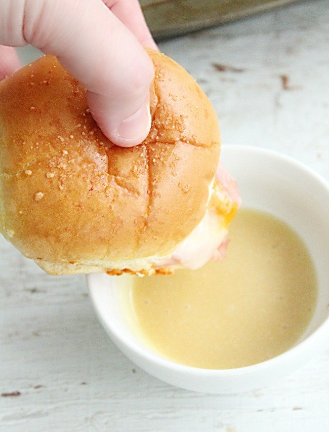 Ham and Cheddar Sliders with Homemade Honey Mustard Sauce: Table for Seven #sliders #ham #cheddar #cheese #sandwich #honeymustard