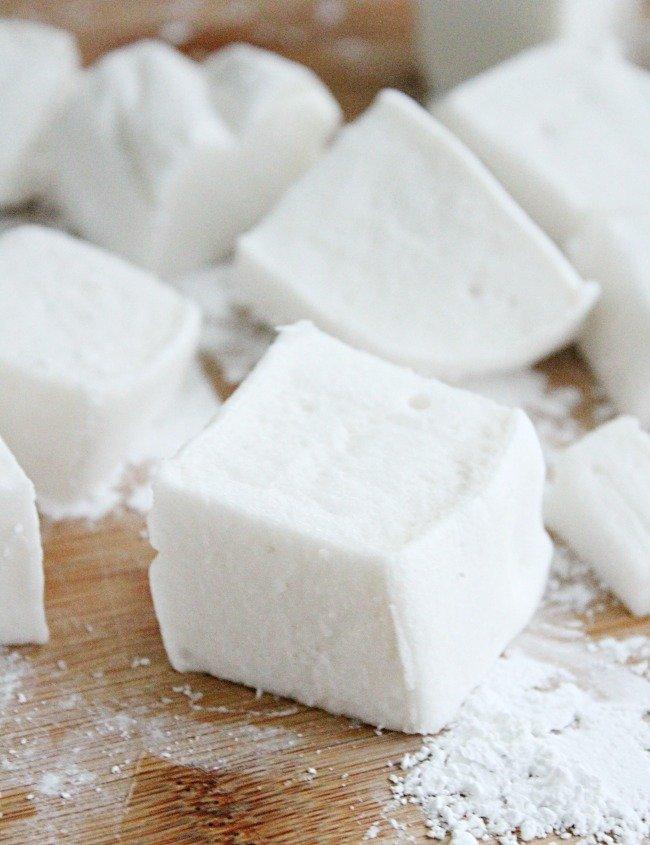 Homemade Marshmallows- Table for Seven #homemade #marshmallows #nobake