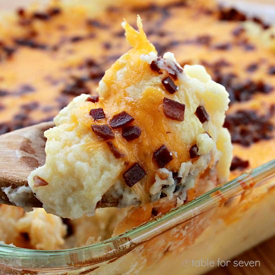 Baked Mashed Potato Casserole #casserole #potato #cheese #bacon #sidedish #mashedpotatoes