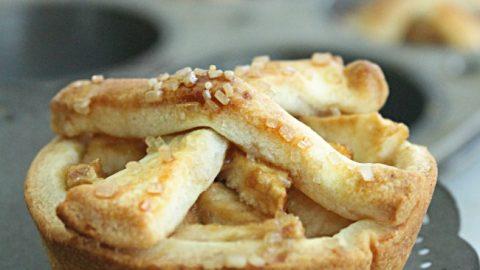 Mini Apple Pies   Table for Seven #applepie #apple #pie #mini #dessert