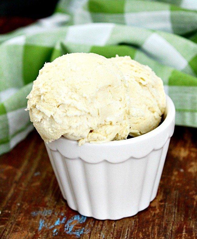 No Churn Vanilla Ice Cream- No Sweetened Condensed Milk Required: Table for Seven #icecream #vanilla #nochurn #nosweetenedcondensedmilk #dessert #nobake