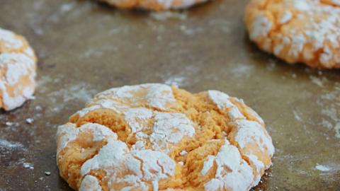 Orange Crinkle Cookies #orange #cookies #cakemix #dessert #tableforsevenblog