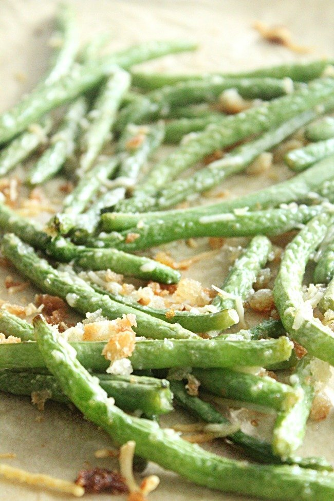 Roasted Green Beans with Parmesan- #tableforsevenblog #greenbeans #roasted #Parmesan