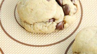 Soft Chocolate Chip Cookies #cookies #chocolatechip #chocolate #chocolatechipcookies #tableforsevenblog