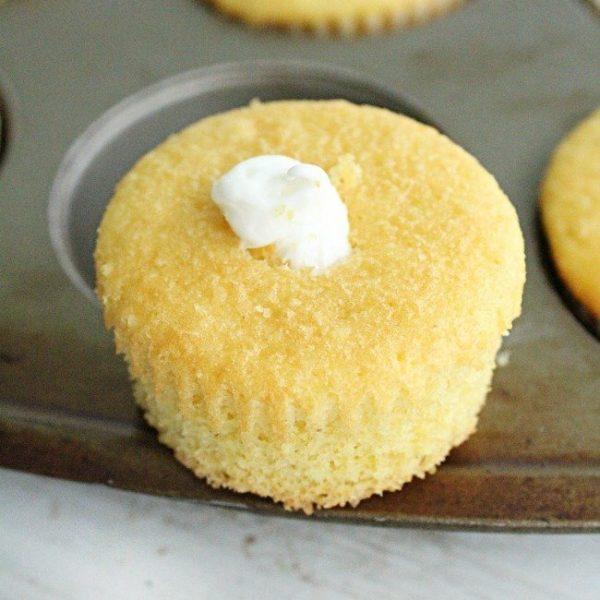 Twinkie Cakes- Table for Seven #twinkies #cake #marshmallow #dessert #minicakes